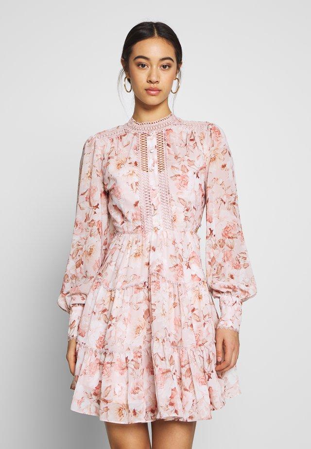 KAI CUT OUT BALLOON SLEEVE DRESS - Vestido informal - burnt sienna floral