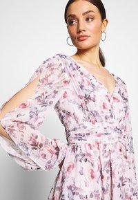 Forever New - TAYLOR SPLIT SLEEVE SKATER DRESS - Vestido informal - light pink - 3