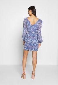 Forever New - TASSA FLORAL MINI - Vestido informal - blue floral - 2