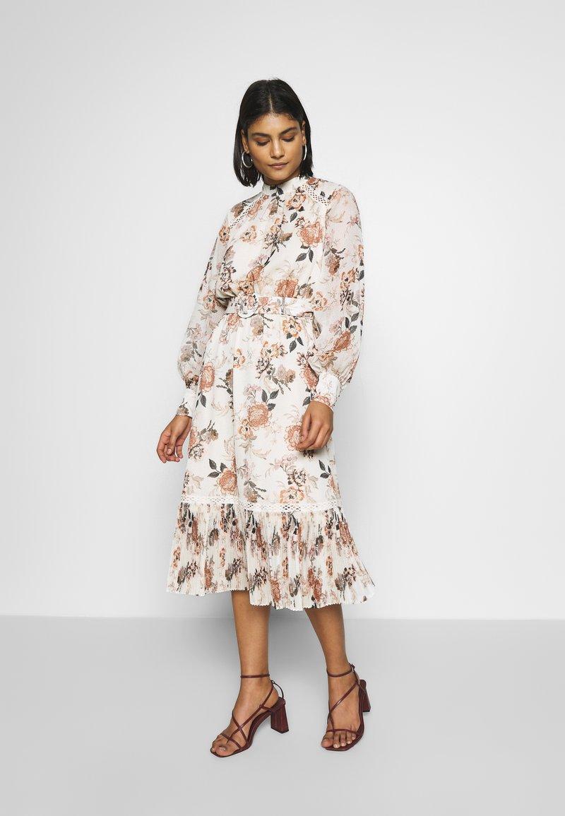 Forever New - PLEAT PANEL DAY DRESS - Vestido informal - multi-coloured
