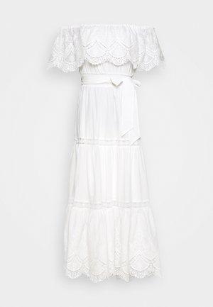 SHIRRED DRESS - Vardagsklänning - white
