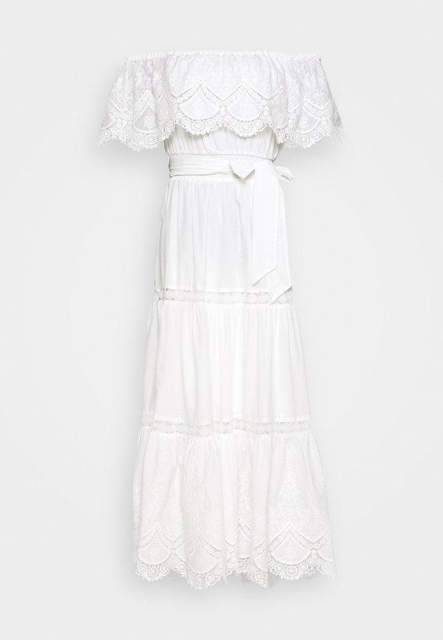 SHIRRED DRESS - Denní šaty - white