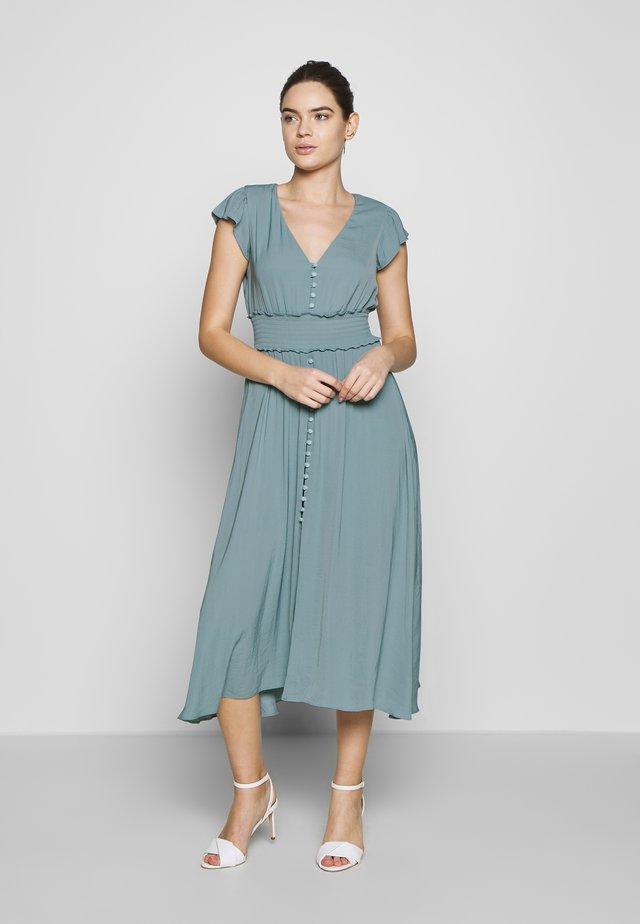 BUTTON FRONT MIDI DRESS - Košilové šaty - jade stone