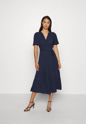 ANNA FLUTTER DRESS - Denní šaty - navy