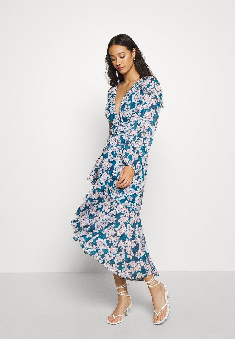 Forever New - WAIST SASH MIDI DRESS - Day dress - mottled teal
