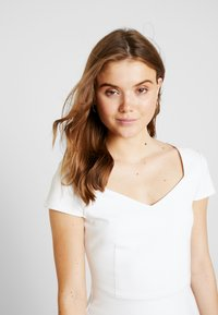 Forever New - SWEETHEART PONTE - T-shirts med print - off white - 4