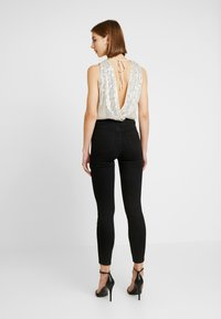 Forever New - SEQUIN WRAP BODYSUIT - Topper - champagne - 2
