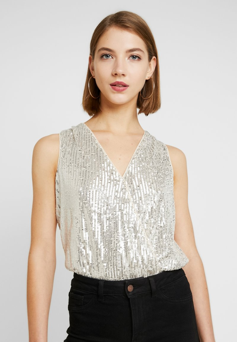 Forever New - SEQUIN WRAP BODYSUIT - Topper - champagne