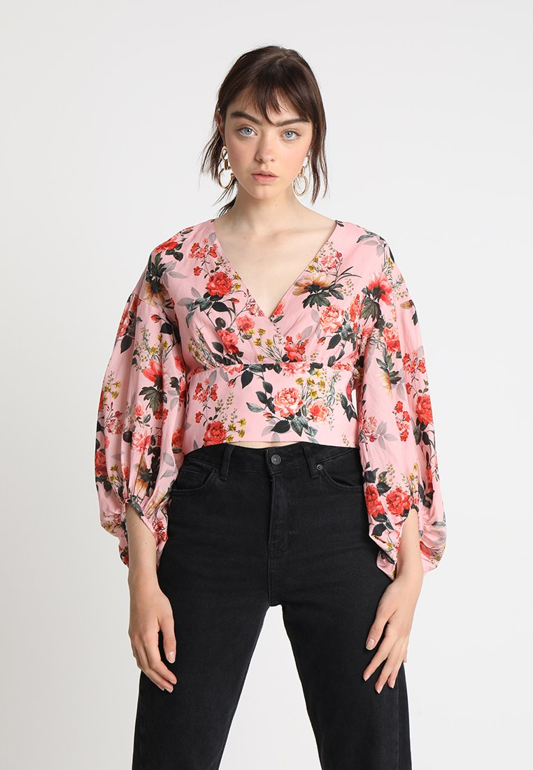 Forever New - VERA WRAP BALLOON SLEEVE CROP - Bluser - rosa