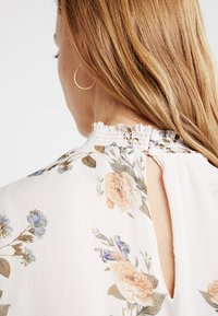 Forever New - JAYDE OPEN PLACKET BLOUSE - Blusa - pink - 4