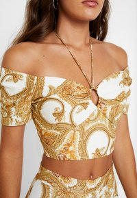 Forever New - RING DETAIL CROP - Blouse - gold - 4