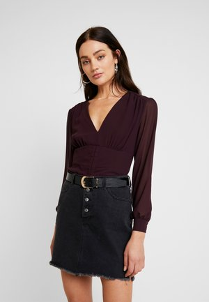 YASMIN FITTED BLOUSE - Blus - berry