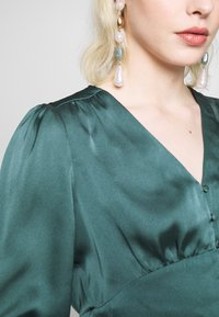 Forever New - DOROTHY PLUNGE BUTTON TOP - Bluser - deep teal - 3