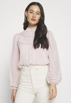 CORNELIA CURVED YOKE BLOUSE - Bluser - blush