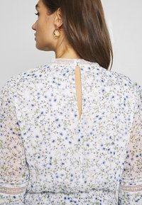 Forever New - PLEAT DETAIL TOP - Blusa - climbing speckled ditsy - 5