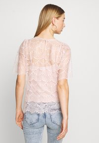 Forever New - ALICIA PUFF SLEEVE - Bluser - blush - 2