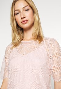 Forever New - ALICIA PUFF SLEEVE - Bluser - blush - 3