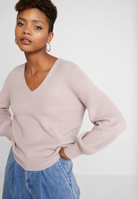 Forever New - FABIAN LACE UP BACK JUMPER - Svetr - mauve day - 2