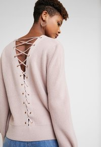 Forever New - FABIAN LACE UP BACK JUMPER - Svetr - mauve day - 5