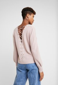 Forever New - FABIAN LACE UP BACK JUMPER - Svetr - mauve day - 3