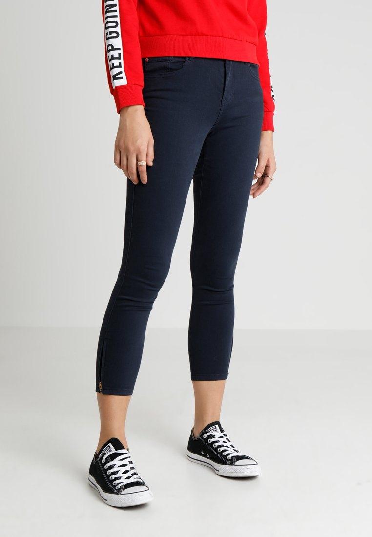 Forever New - HANNAH LOW RISE CROP - Jeans Skinny Fit - navy