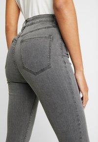 Forever New - HEIDI JEAN - Jeans Skinny Fit - brooklyn grey - 5