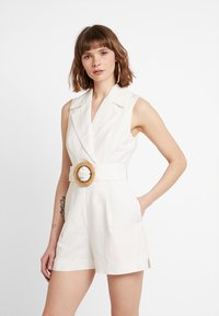 Forever New - BELTED PLAYSUIT - Haalari - porcelain - 0