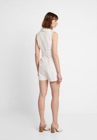 Forever New - BELTED PLAYSUIT - Haalari - porcelain - 3