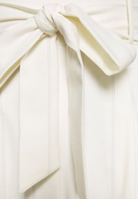 Forever New - TUCK  - Overal - white - 2