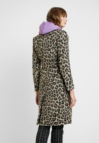 Forever New - LINDA LEOPARD - Classic coat - brown - 2