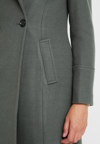 Forever New - STEPHANIE - Cappotto classico - sage - 5