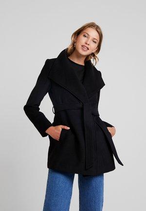 TALA WRAP - Krátký kabát - black