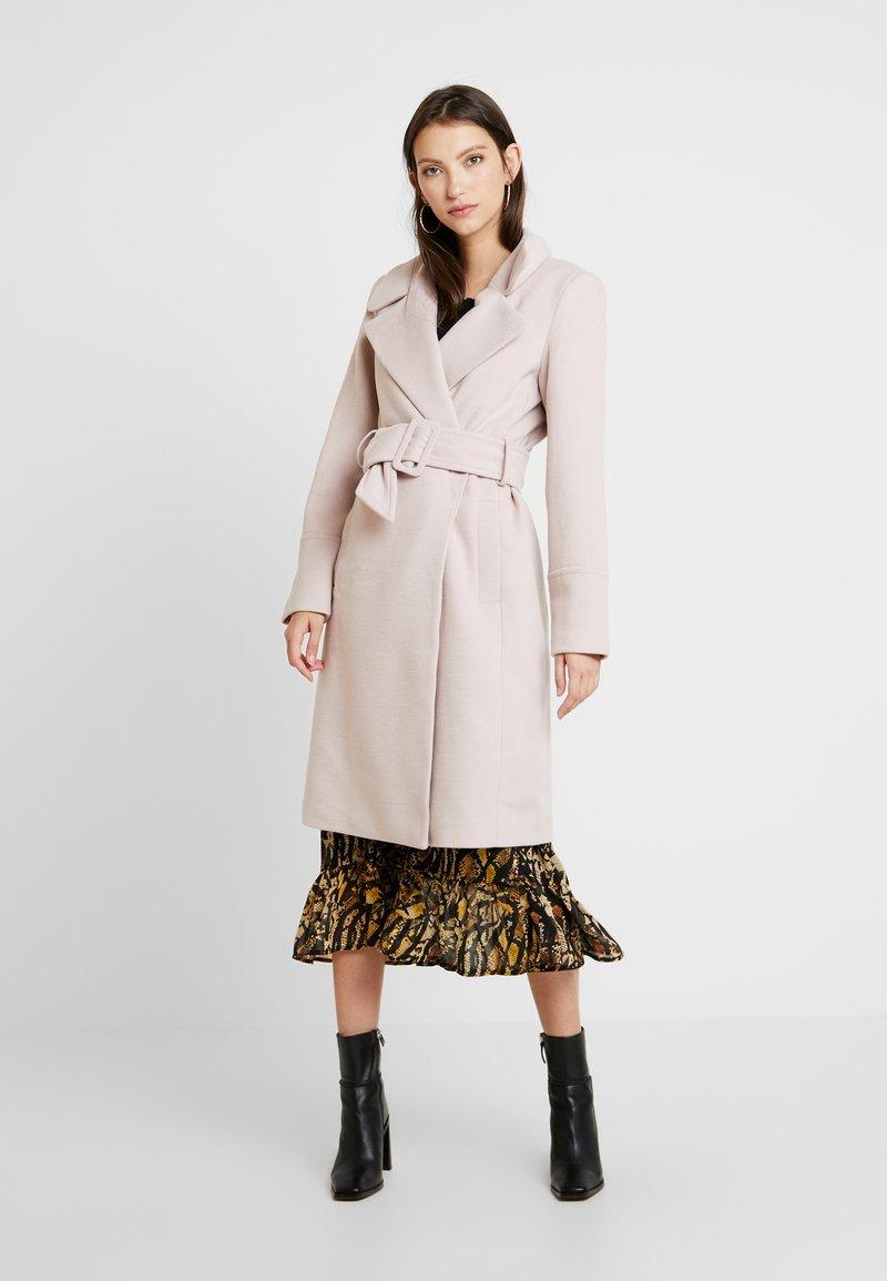 Forever New - BELLA WRAP COAT - Wollmantel/klassischer Mantel - soft pink
