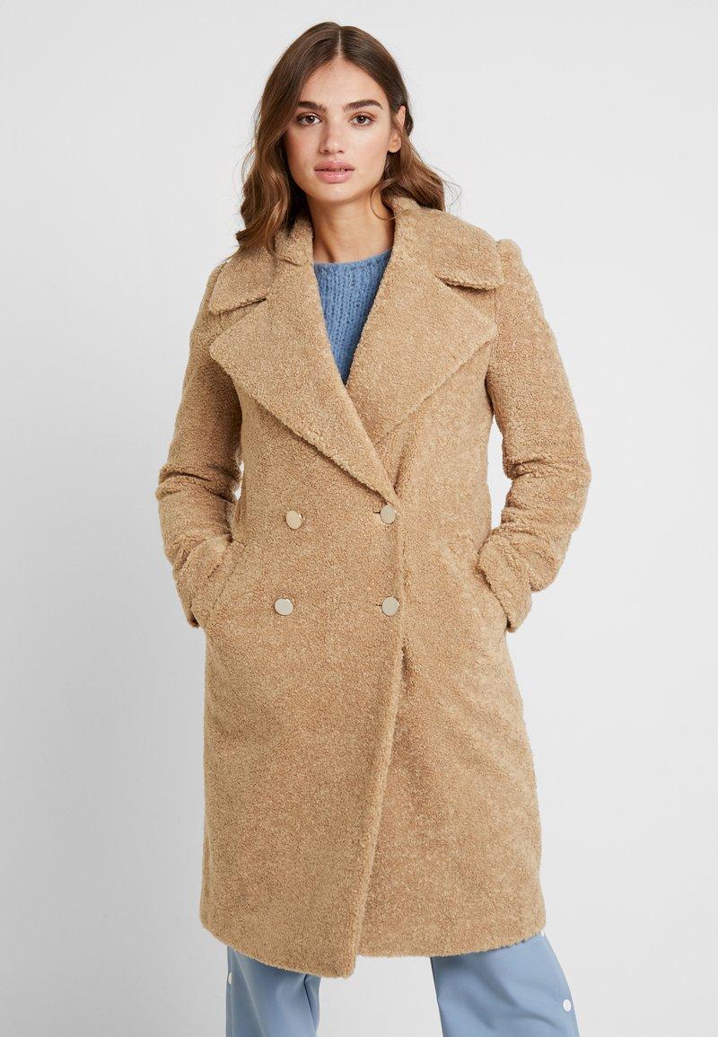 Forever New - CARA LONG LINE BORG - Classic coat - caramel