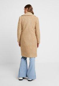 Forever New - CARA LONG LINE BORG - Classic coat - caramel - 2