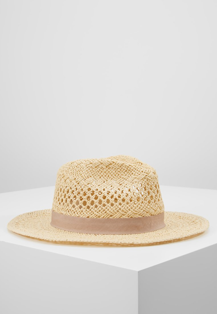 Forever New - CARA CUT OUT FEDORA HAT - Klobouk - natural/taupe