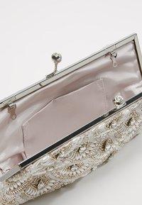 Forever New - EVA EMBELLISHED FRAME - Clutch - silver - 4