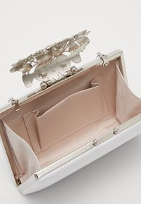 Forever New - CHARLOTTE BAG - Kopertówka - ivory - 4