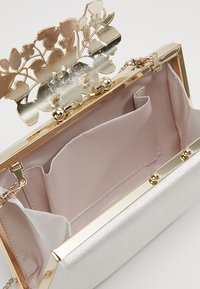 Forever New - CHARLOTTE BAG - Clutch - nude shimmer