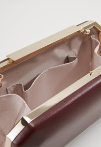 Forever New - JAYDA HARDCASE - Clutch - berry - 3