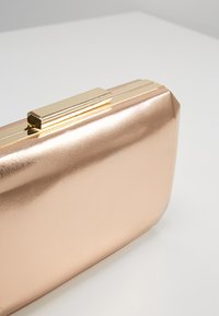 Forever New - TARA GEO BOX - Clutch - metallic rose gold - 6