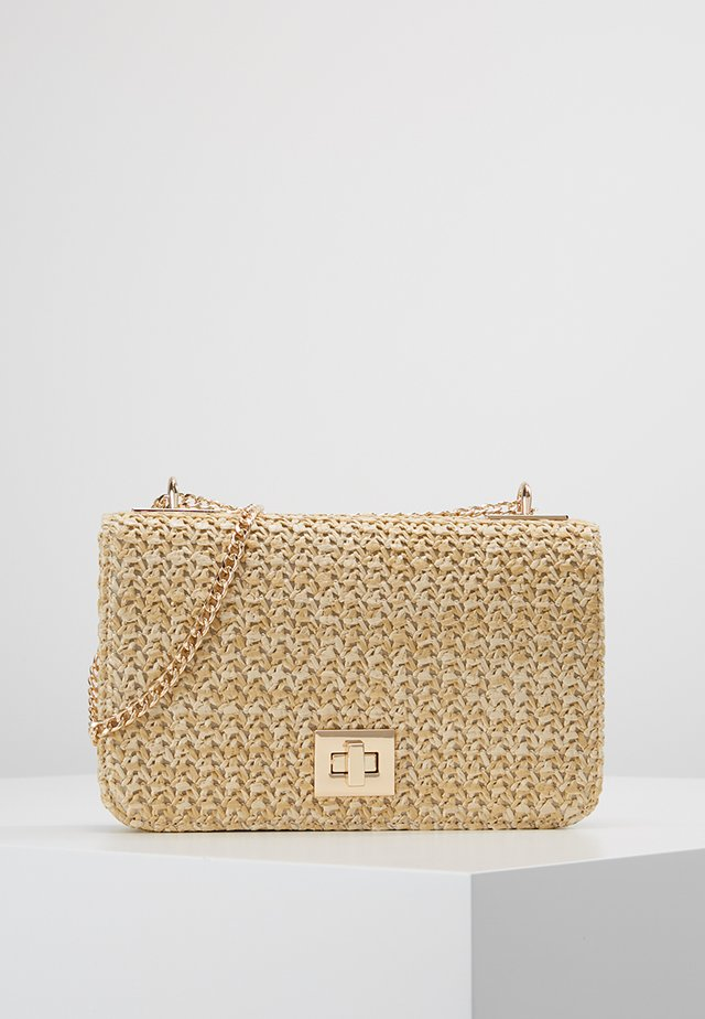 ISOBEL CROSSBODY BAG - Bandolera - natural