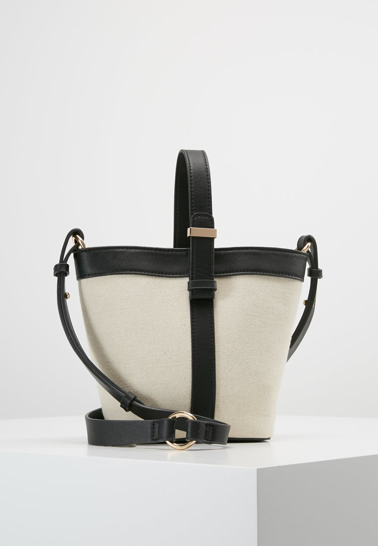 Forever New - JENNA TOP HANDLE BAG - Bolso de mano - black