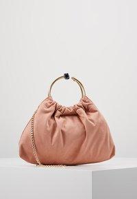 Forever New - Handbag - blush - 0