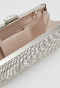 Forever New - BLAIR EMBELLISHED - Clutch - silver-coloured - 4