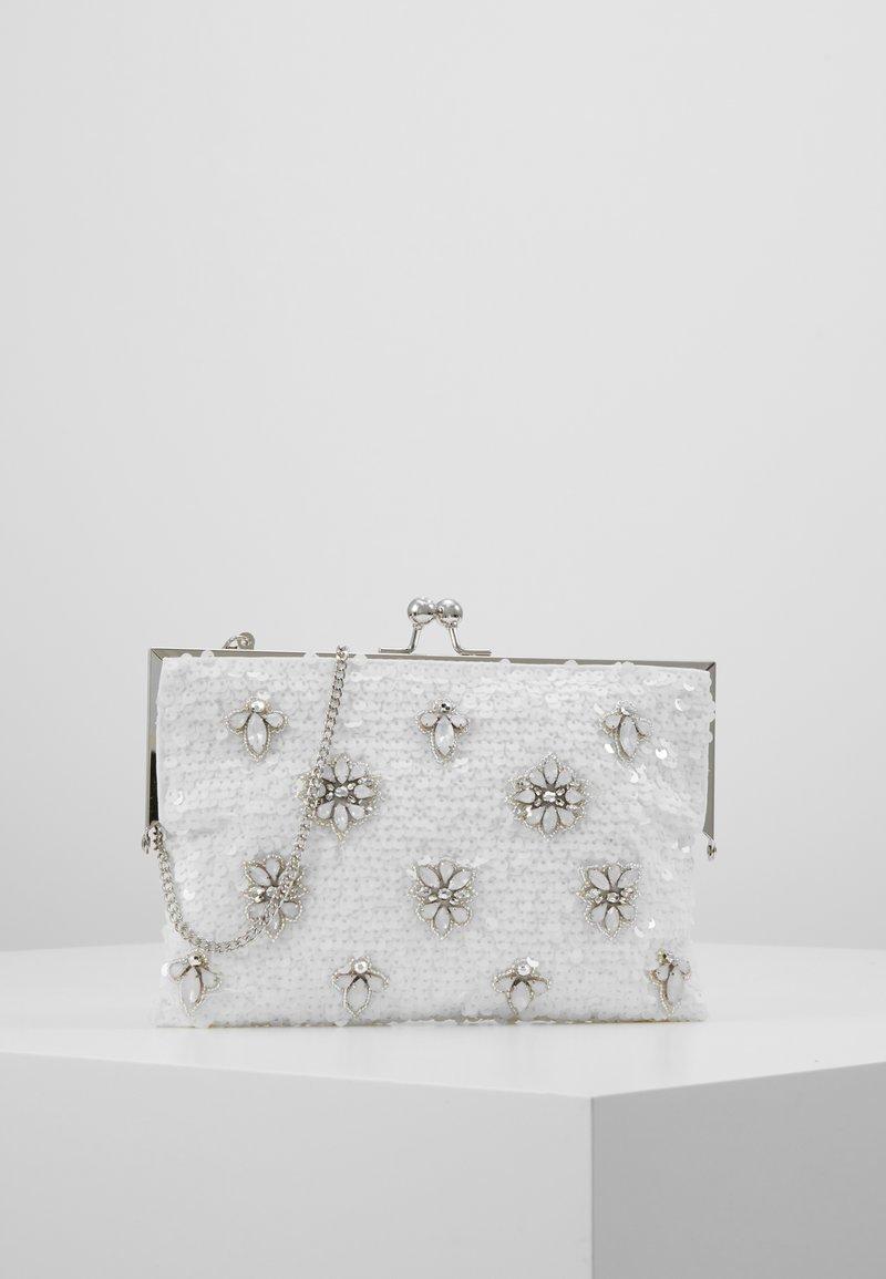Forever New - BELLA EMBELLISHED FRAME - Pochette - iridescent white