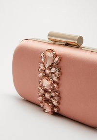 Forever New - ELIZABETH JEWELLED HARDCASE - Clutch - blush/copper - 5