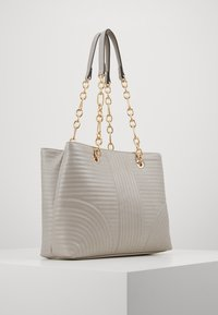 Forever New - CLARISSA CHAIN TOTE - Kabelka - grey - 3