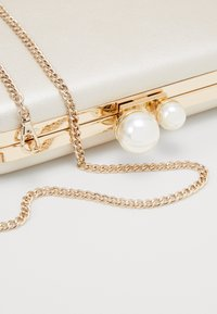 Forever New - Clutch - white gold - 3