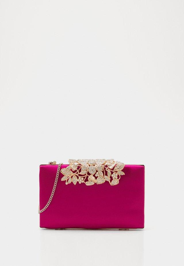 Clutch - raspberry